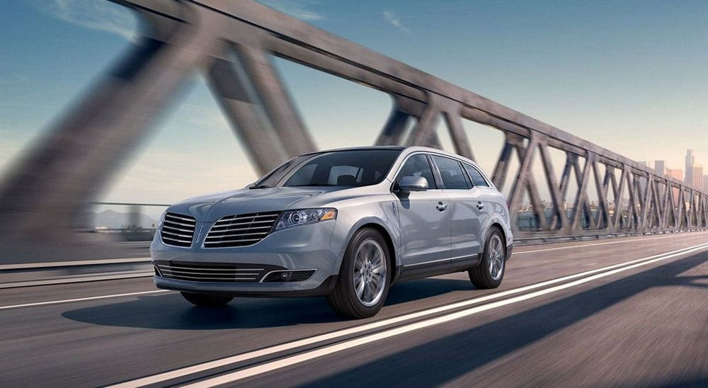 LINCOLN-MKT-TOWN-CAR-3